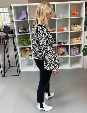 Stine Goya dianne top - zebra side