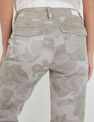 Paige Mayslie Jogger Camo model