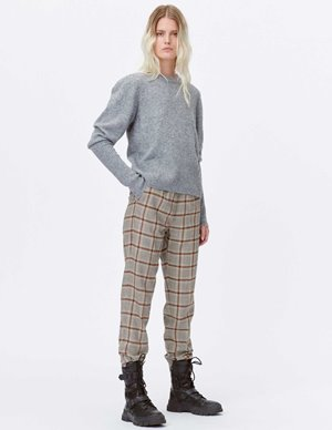 Munthe lot knit - grey side