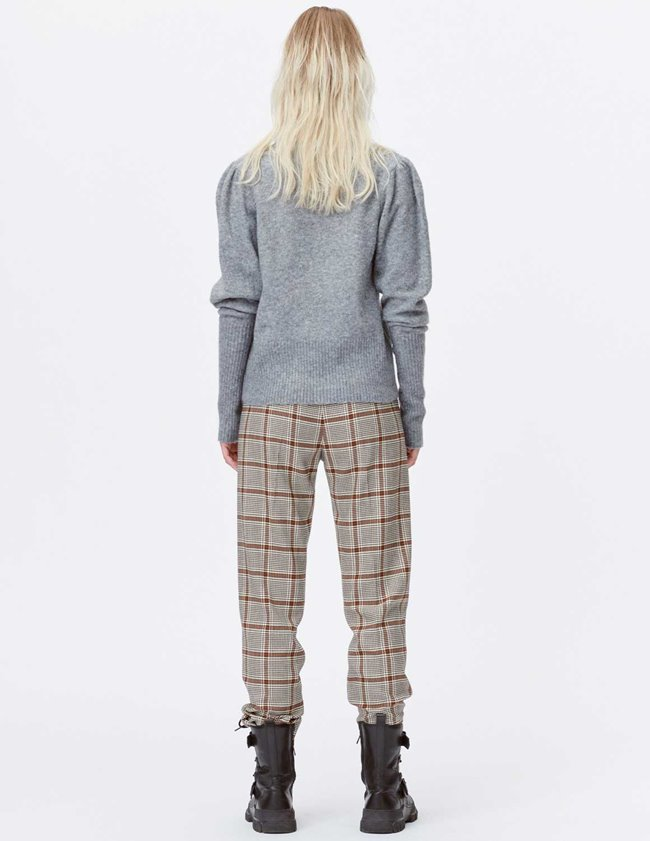 Munthe lot knit - grey model